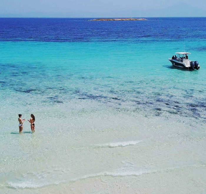 luxury-sports-cruises-white-beach